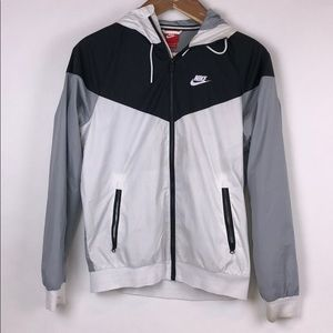NIKE Black and White Windbreaker Size Small